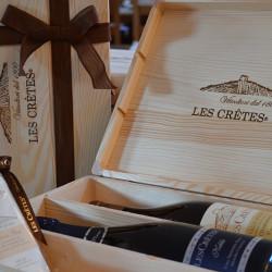 Confezione regalo Les Crêtes: cassetta in legno logata da 3 bottiglie con nastro